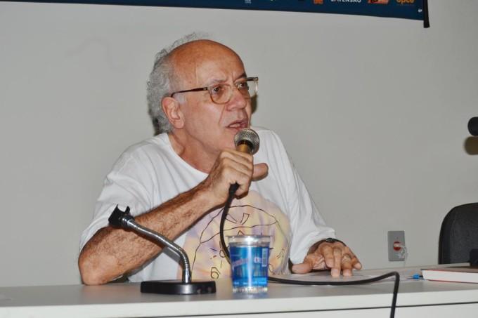 O adeus ao camarada Vito Gianotti.