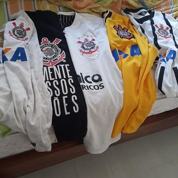 Corinthians: Minhas camisas, meus mantos sagrados, meu escudo, minha fé.