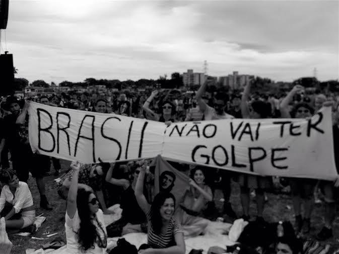 O Golpe de Estado jogou o Brasil no abismo.