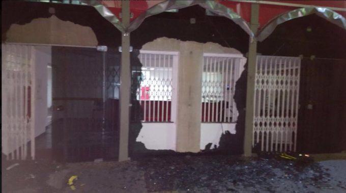 Sede do PT atacada em São Paulo, reflexo do ódio vigente ao partido.