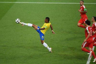 Paulinho: A Poesia do Ballet-Bola.